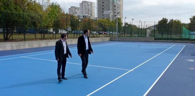 """f1a3505db62 Специално място в Спортен комплекс """"Славейков"""" заема зоната за лека  атлетика. Тя е с овална 200-метрова лекоатлетическа писта с 4 коридора,  120-метрова ..."""