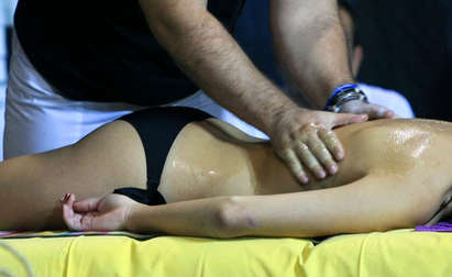 Секес попа доч масаж