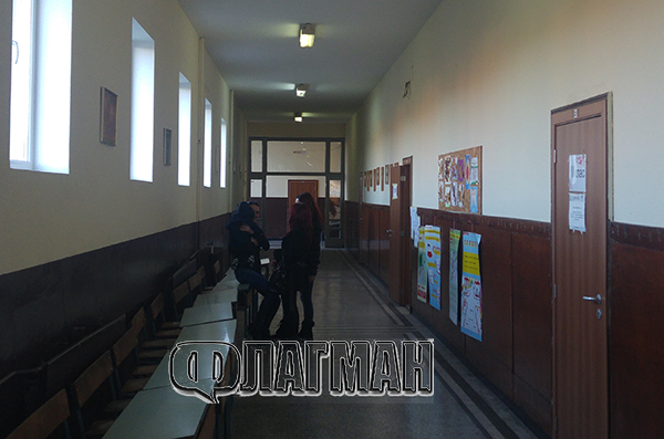 Циганите в Черно море чакат да им натиснат бутона, до 16 часа избирателната активност е под 20 %