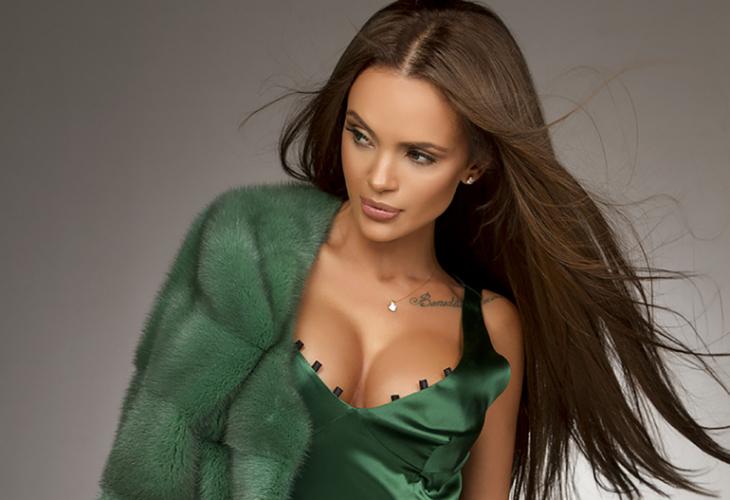 Снимки на секси дами на средна възраст с космати путки