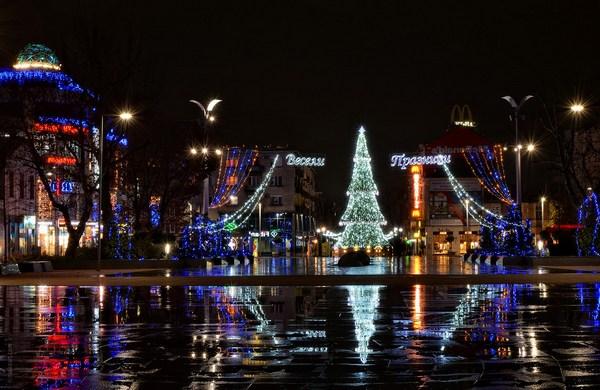 Магията на Коледа е вече в ТРИА Сити Център