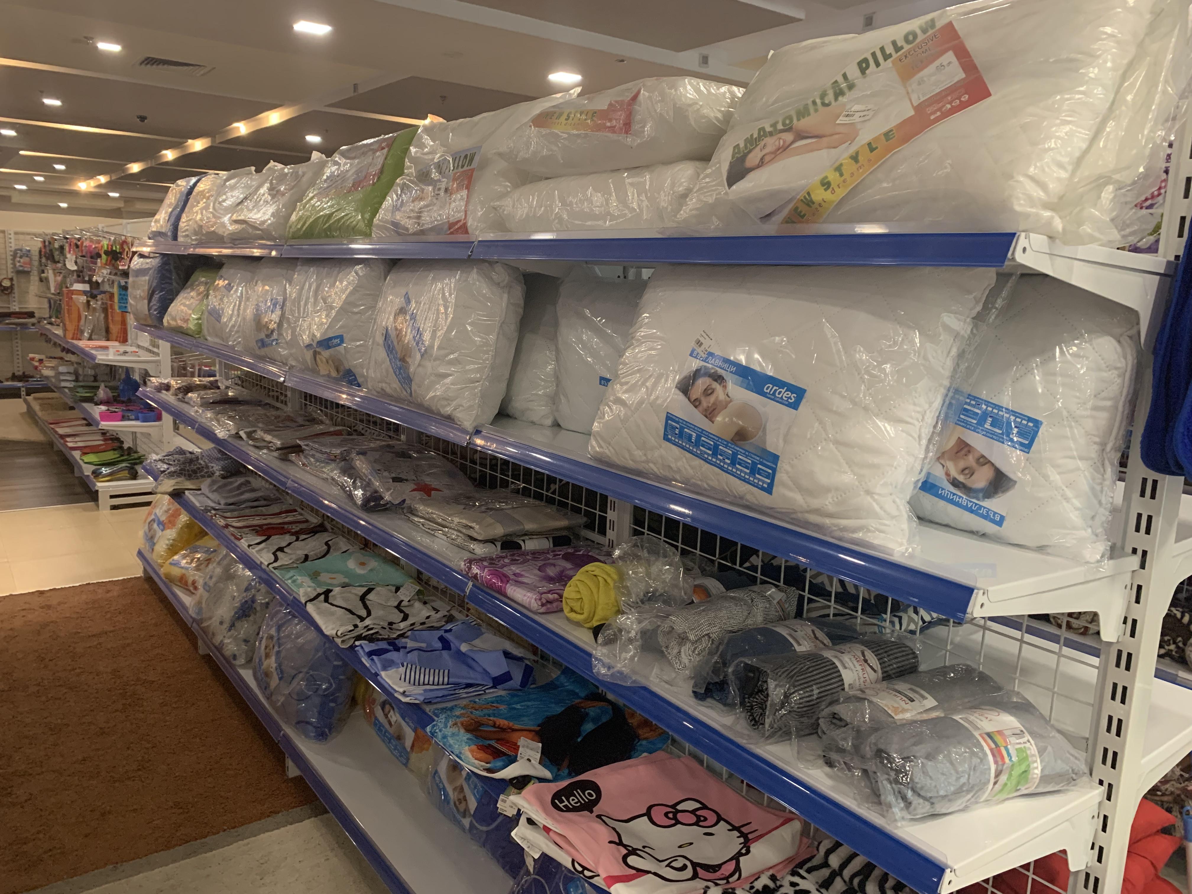 82c2ab95e0c Китайският мол в Бургас смайва с цени