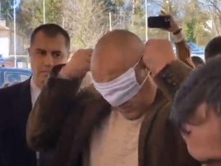 """Резултат с изображение за """"борисов с маска"""""""