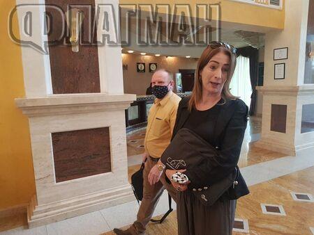 Флагман.бг предава НА ЖИВО скандал с евродепутатката Клеър Дейли в Поморие