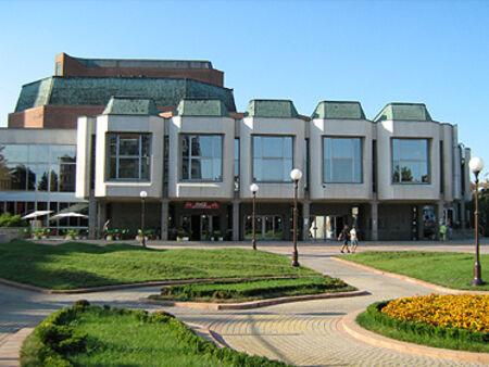 След паузата – Бургаската опера възобновява сценичната дейност